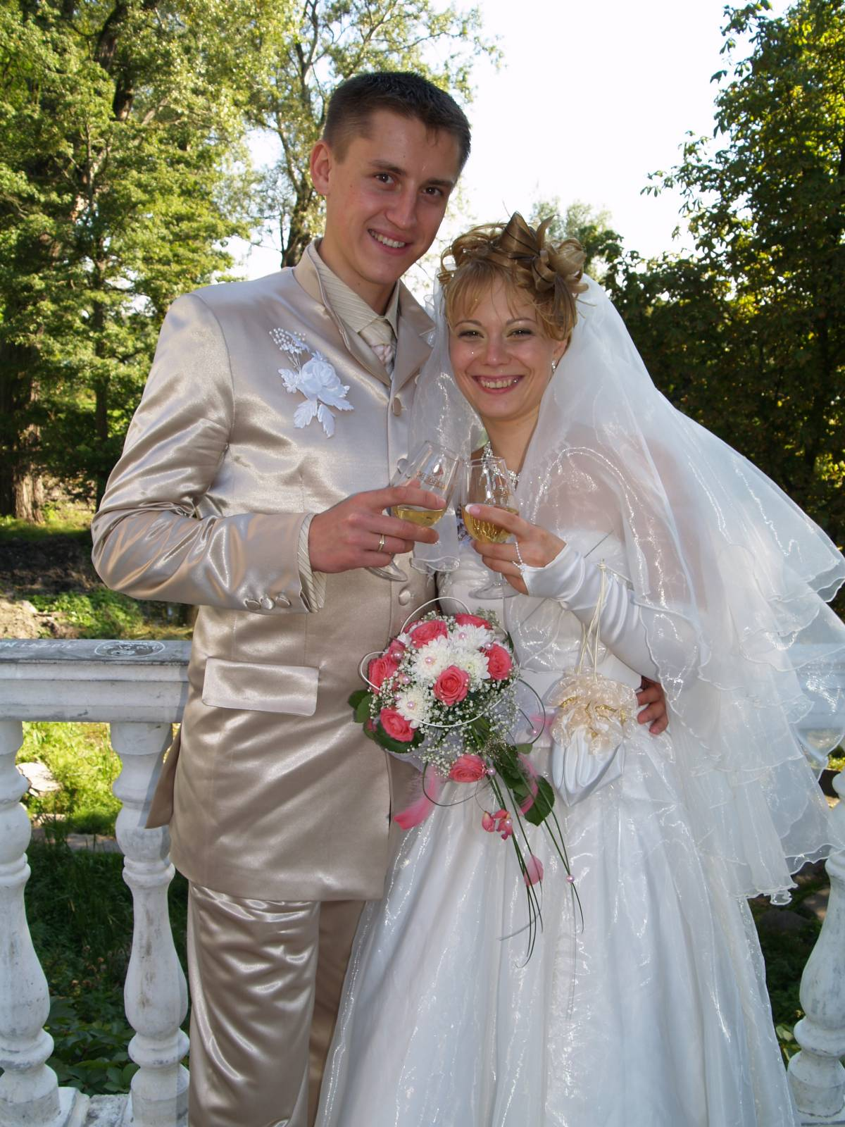 Можно ли жениху видеть платье невесты до свадьбы на фото